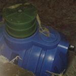 Posadowiony zbiornik na wodę deszczową